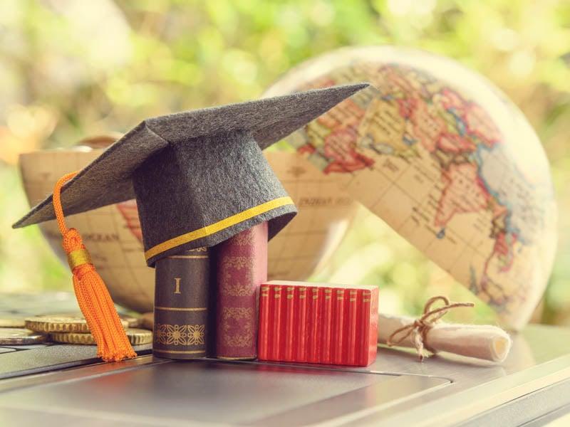 Éxito al estudiar un posgrado y un concepto de experiencia de visión del mundo abierto o ampliado