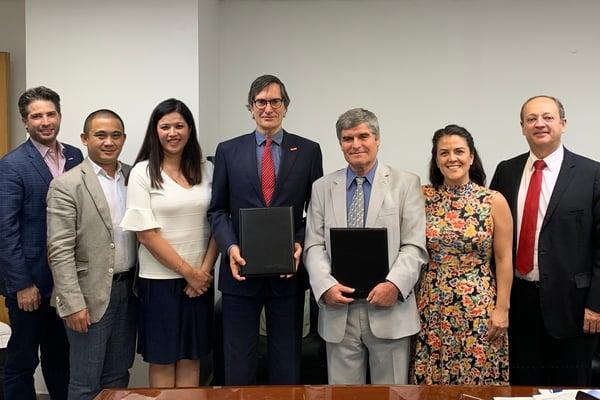 Directivos de UVM con el rector de Varna University of Management, tras la firma de un convenio
