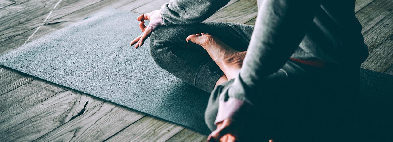 4 estilos de yoga que puedes practicar en vacaciones